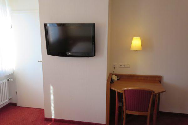 Double Room Desk, TV